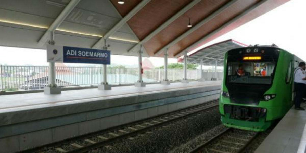 Kereta bandara Adi Soemarno
