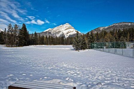 1024px-Winter_in_Canada