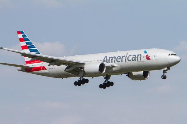 American_Airlines_Boeing_777-200