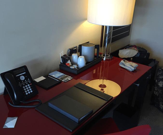 nice_hyatt desk closeup