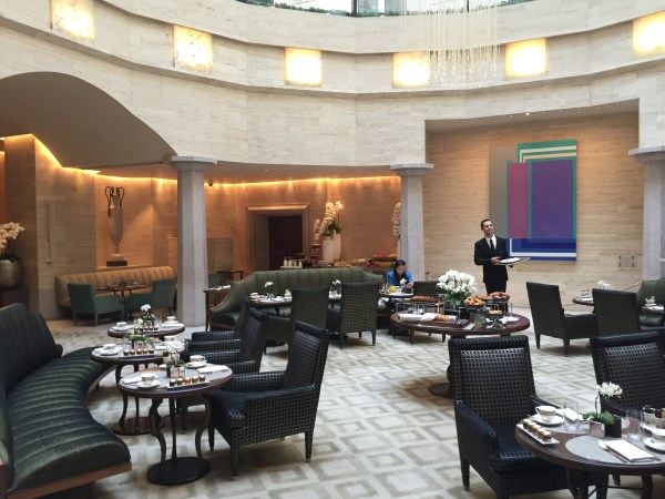 park_hyatt_milan-breakfast
