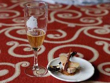 Verre de Poiré Domfront et Dessert poire et 3 chocolat - (c) C. Bosshard