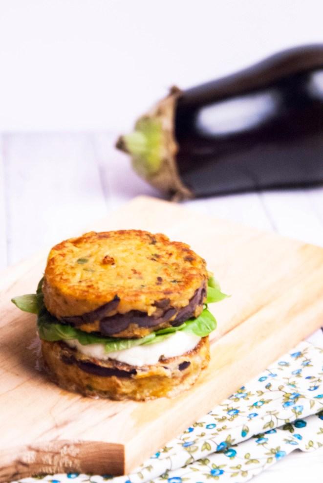 Vegi burger aubergine mozzarella