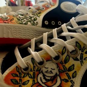 zapatillas personalizadas cebo poisonestudio buda
