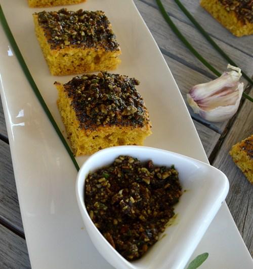 Pesto aux herbes fraîches du printemps