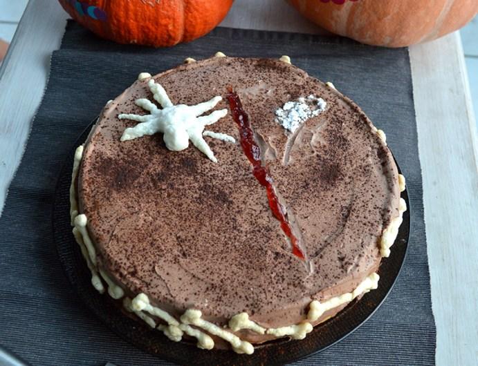 Gâteau Halloween au chocolat et confiture de fraises