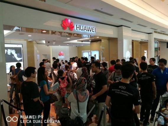 Huawei Experience Store - KLCC