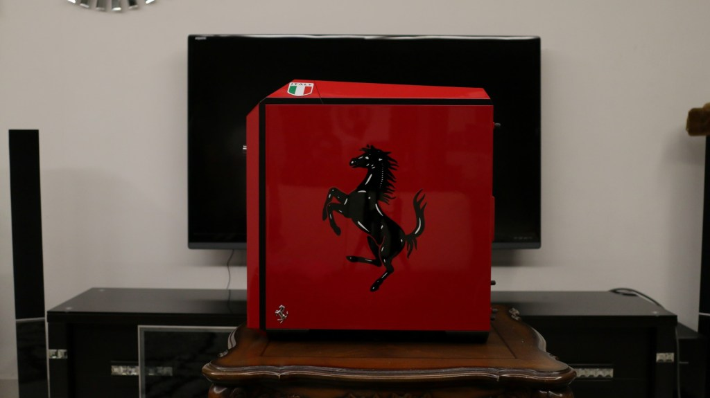 The Cavallino Rampante. And no, that is NOT a sticker.