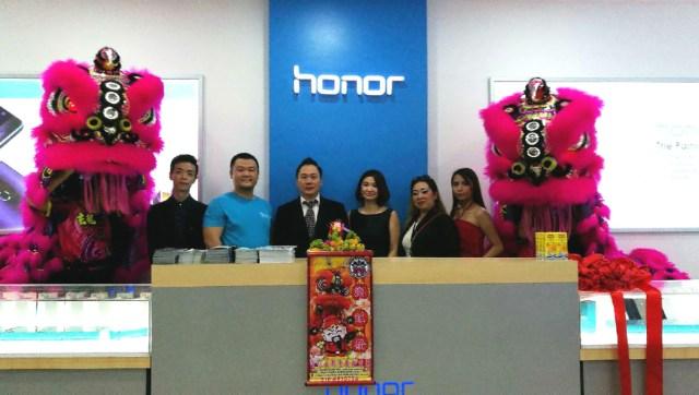 honor-malaysia-concept-store-1