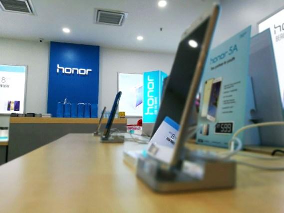 honor-malaysia-concept-store-3