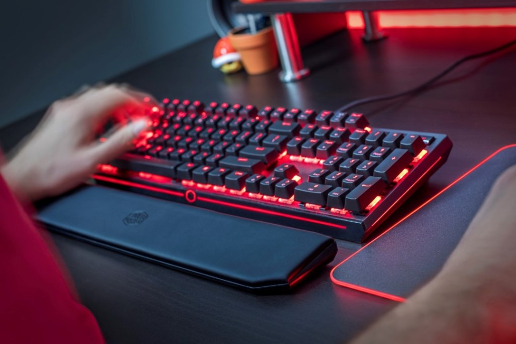 Cooler Master Introduces MasterKeys MK750 - Mechanical Keyboard With A Lot To Offer! 24