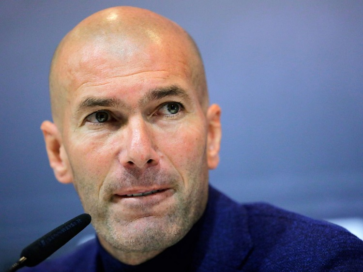 Zinedine Zidane siap latih Chelsea dengan syarat dana transfer 200 juta pounds.