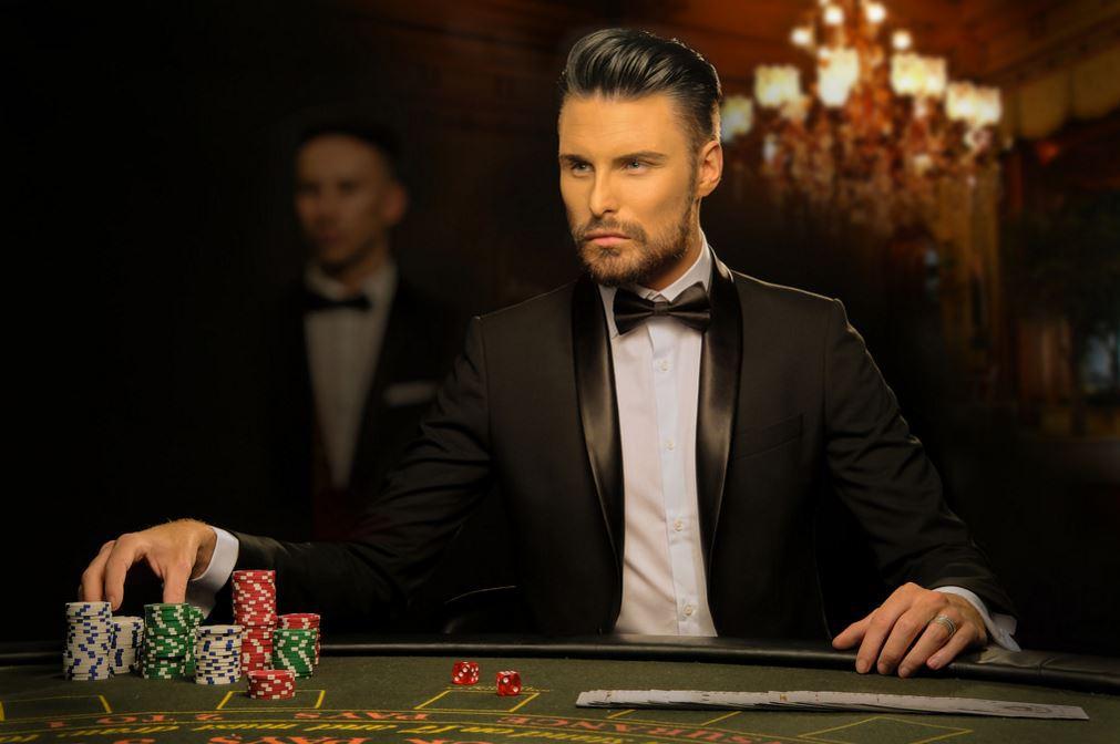 rylan-poker-attire.jpg?fit=1011%2C672&ssl=1