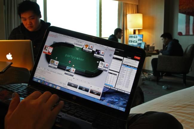 poker viet nam, poker việt nam, chơi poker online, chơi poker trực tuyến, sòng bài uy tín, đánh bài online, đánh bài trực tuyến, đánh bài online ăn tiền thật