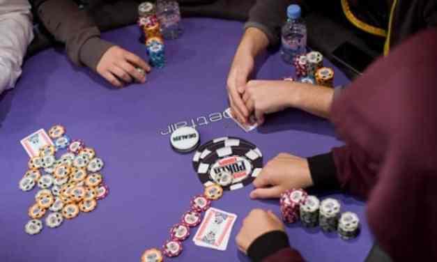 [:vi]Chơi Poker cần biết cách ghi chú đối thủ như thế nào?[:en]How to take note when playing poker?[:]
