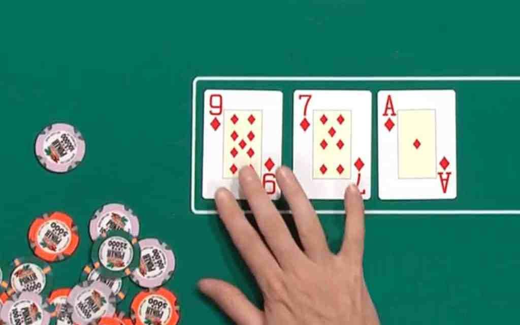5 cách đánh bài Poker khi ván bài Poker ra mặt Flops đồng chất