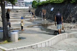 13_なぎさ広場・水遊び場・全景