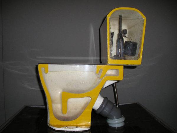 水星をトイレに注ぐことは禁止されています、それは危険の原因となるでしょう