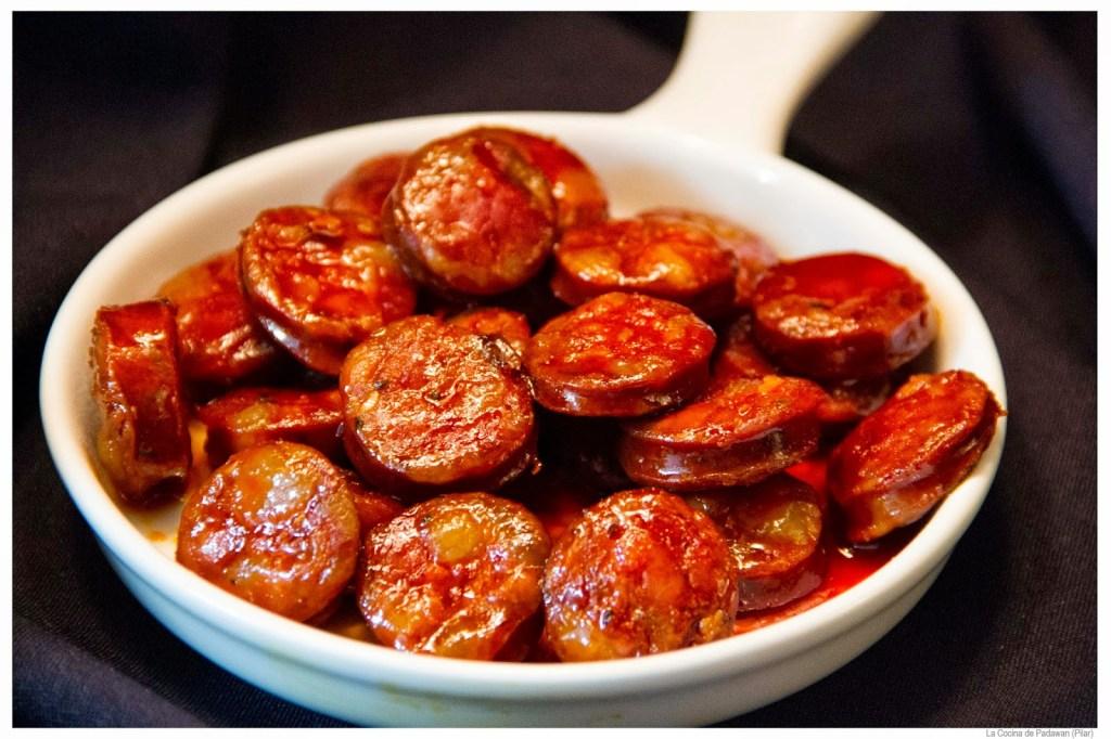 10 znanych potraw hiszpańskich - Chorizo a la sidra