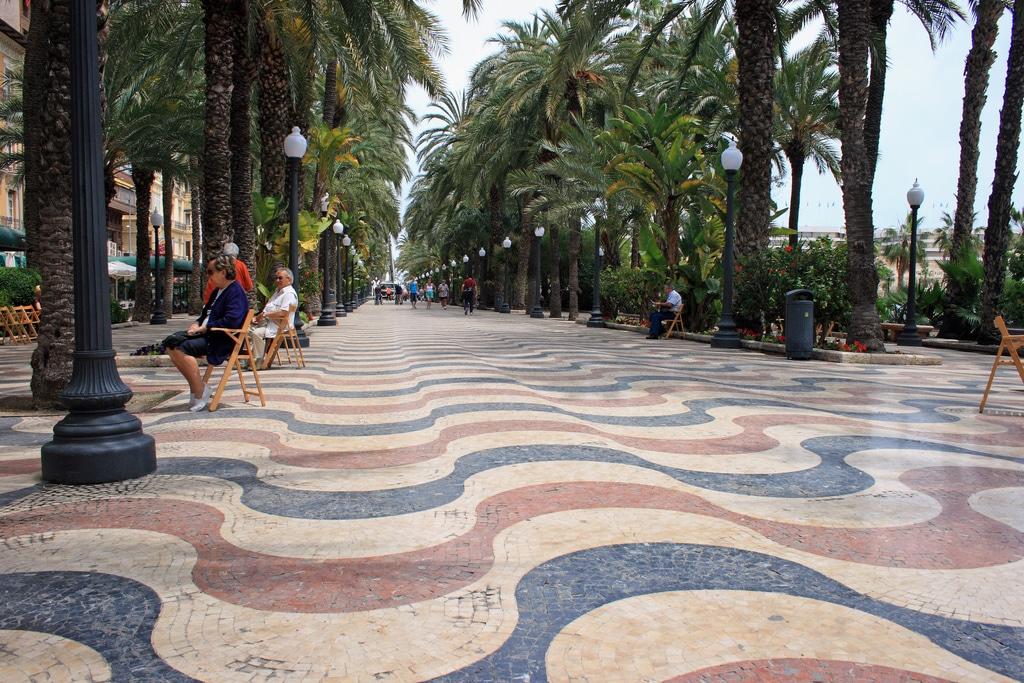Co zwiedzić w Alicante - Explanada de España