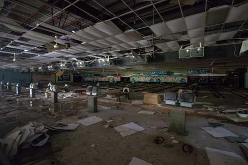 bowling alley_017-retouched