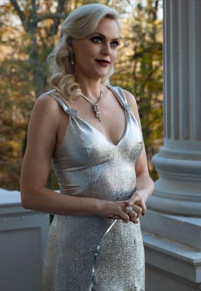 Alexis in Silver - Dynasty Season 4 Episode 2