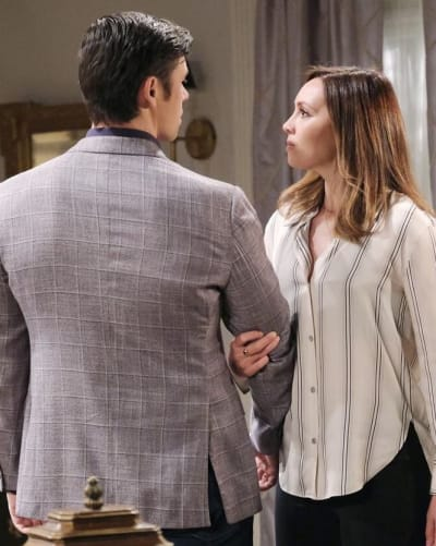 Xander Defends Gwen / Tall - Days of Our Lives