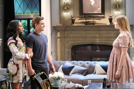 Allie Loses Her Cool - Days of Our Lives