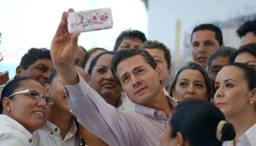 Cantante de narco-corridos es ejemplo para la juventud, dice EPN