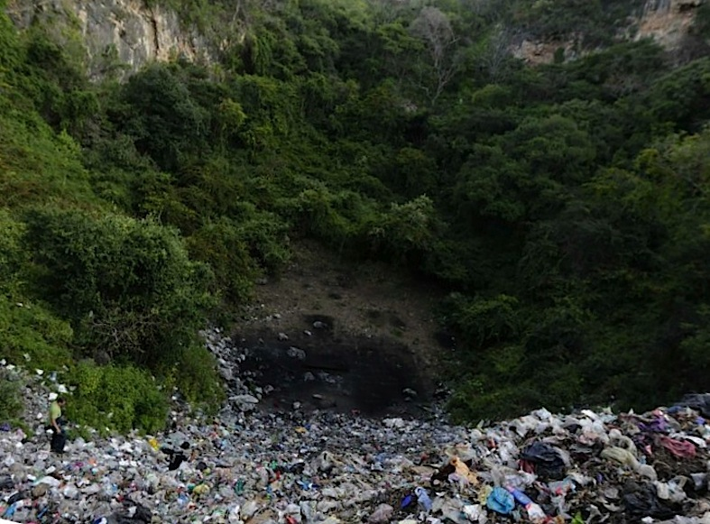 El sitio donde supuestamente quemaron a los normalistas en Cocula, Guerrero.