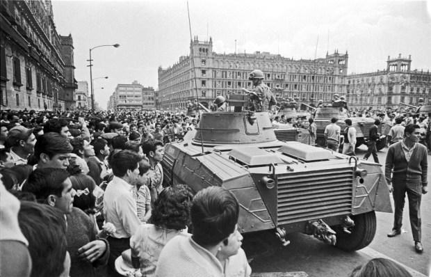 Exèrcit_al_Zócalo-28_d'agost