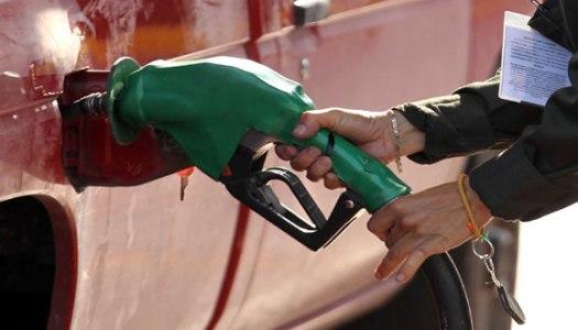 Así es como los gasolineros estafan a clientes y a Pemex
