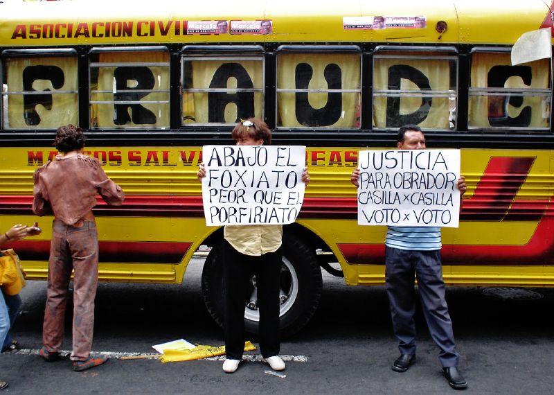 Fraude, voto, injusticia, corrupción... palabras comunes convertidas en la decepción del pueblo. Foto: Olga Cadena/Flickr