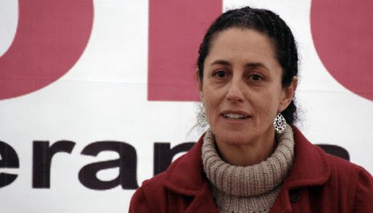 Claudia Sheinbaum, la jefa de gobierno que viaja en metro