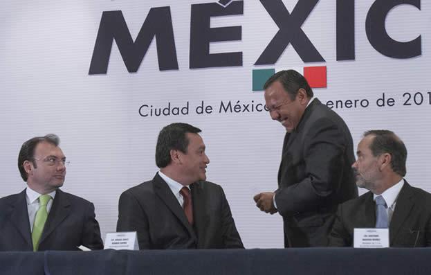 pecto-por-mxico-zambrano-riendo