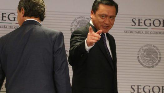 "Osorio Chong presume 5 nuevos ""CISEN"""