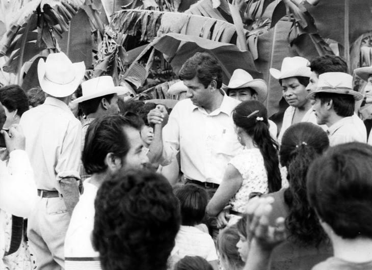 AMLO en Tabasco, en 1995.