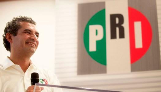El PRI frenó el último gasolinazo de Peña Nieto, según Ochoa Reza