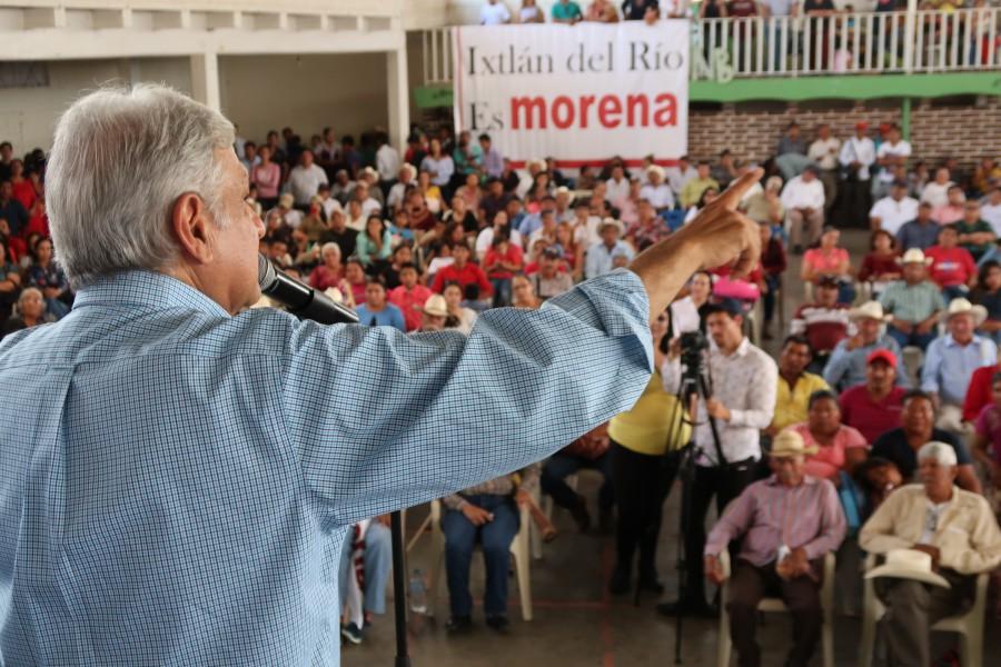 AMLO en un mitin en Santa María del Oro, Nayarit. Foto: Especial