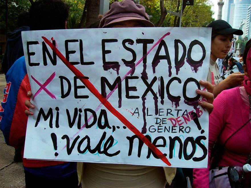 Protesta contra los feminicidios en el Estado de México. Foto: Especial
