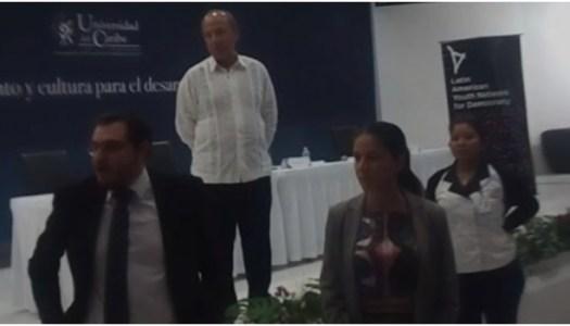 """Le gritan """"asesino"""" a Felipe Calderón en Cancún"""