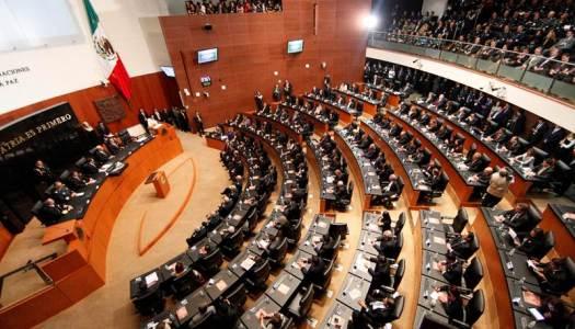Morena propone bajar sueldo de senadores de 300 mil a 90 mil pesos