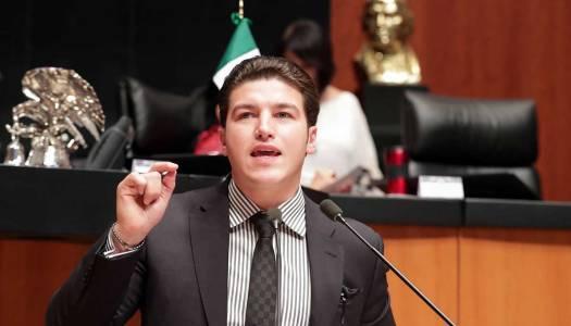 Samuel García, el senador discriminador: exige título para legislar