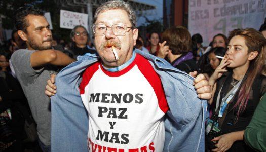 Paco Ignacio Taibo II acepta invitación de AMLO; será director del FCE