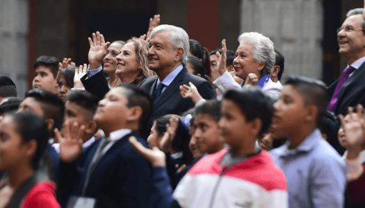 """AMLO protegerá a niños migrantes y si se necesita, """"los hacemos mexicanos"""""""