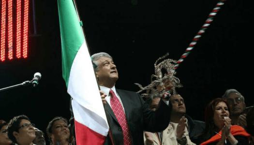 El día que AMLO dio el Grito de los Libres en Tlatelolco, relatado por Jaime Avilés