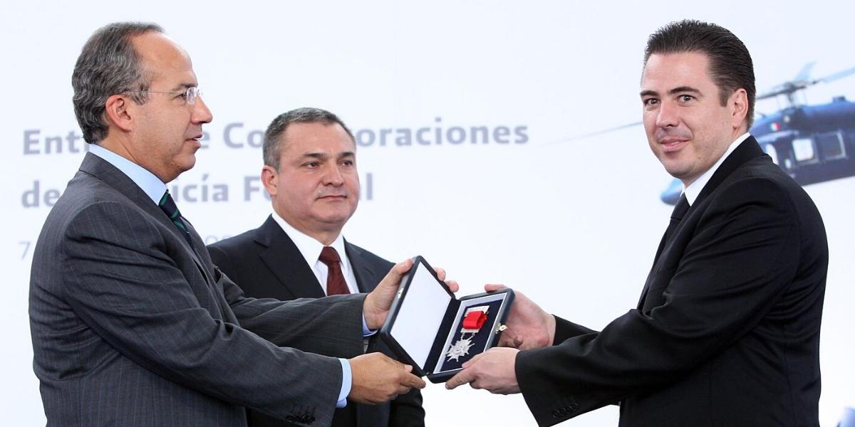 García Luna y Palomino se hicieron millonarios con la guerra de Calderón