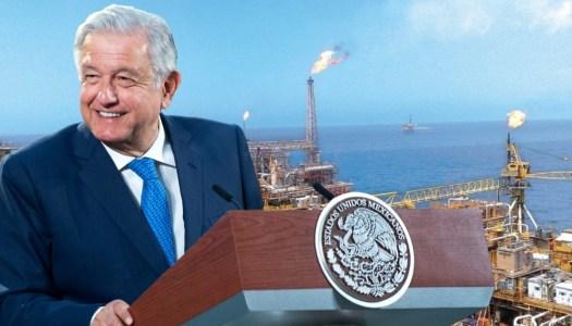 AMLO anuncia el descubrimiento de un enorme campo petrolero en Tabasco
