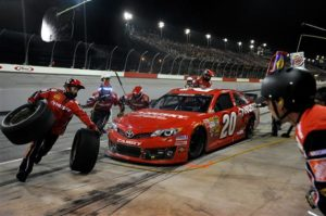matt-kenseth-pit-stop-nascar-southern-500-darlington-2013