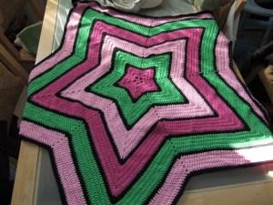 Crochet star-shaped blanket